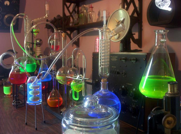 Suggest_STEAMPUNK_Chem Lab Table 2
