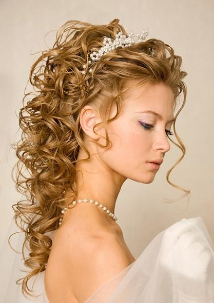 long-brown-curly-ringlets-wedding-hairdo-with-loose-tendrils