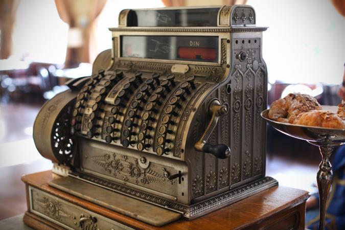 226165-675x450-Antique-cash-register