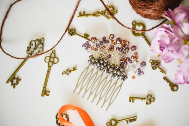 PLUM BERRY HAIR COMB BY GIFT PRINCESS DESIGN
