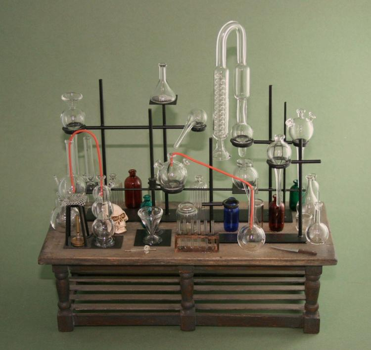 Suggest_STEAMPUNK_Chem Lab Table 3