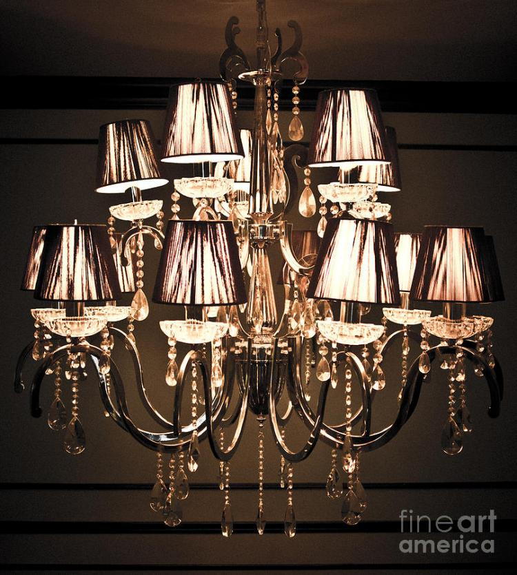 -vintage-chandelier-chavalit-kamolthamanon