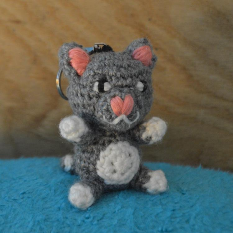 Kitty Backpack Charm (Grey)